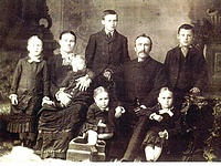 Picture of the family in 1897
